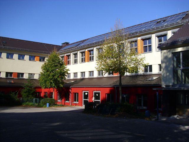 das sanierte Schulgebäude