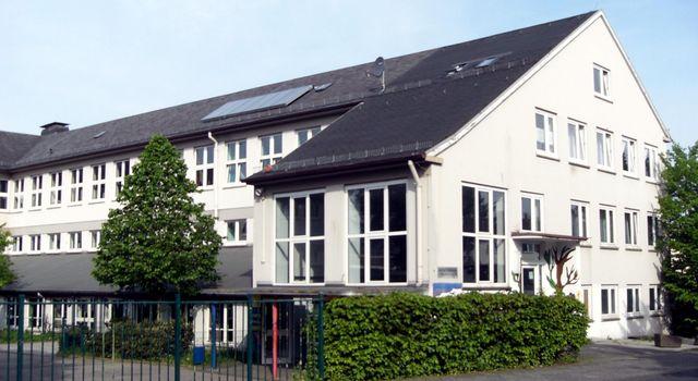 Das Schulgebäude vor der Sanierung