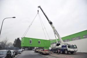 Anlieferung der Heizzentrale im Container
